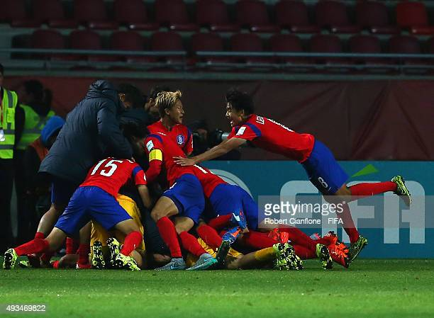 Oh Sehun of Korea Republic celebrates with team mates after scoring a goal during the FIFA U17 World Cup Group B match between Korea Republic and...