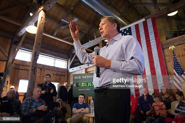 Ohio Governor and Republican presidential candidate John Kasich speaks at a town hall style meeting on February 5 2016 in Hollis New Hampshire...