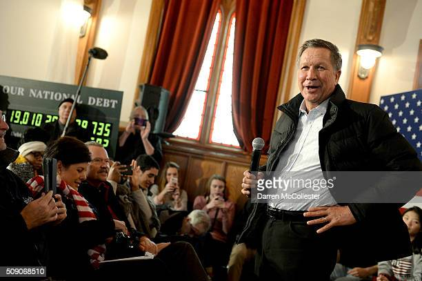 Ohio Governor and Republican Presidential candidate John Kasich campaigns at the Searles School and Chapel February 8 2016 in Windham New Hampshire...