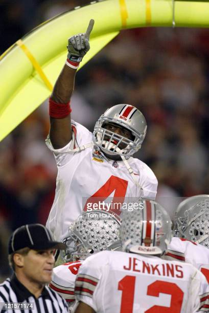 Ohio State Santonio Holmes celebrates after scoring a TD at the end of the 3rd quarter making the score Ohio State 35 Kansas State 14