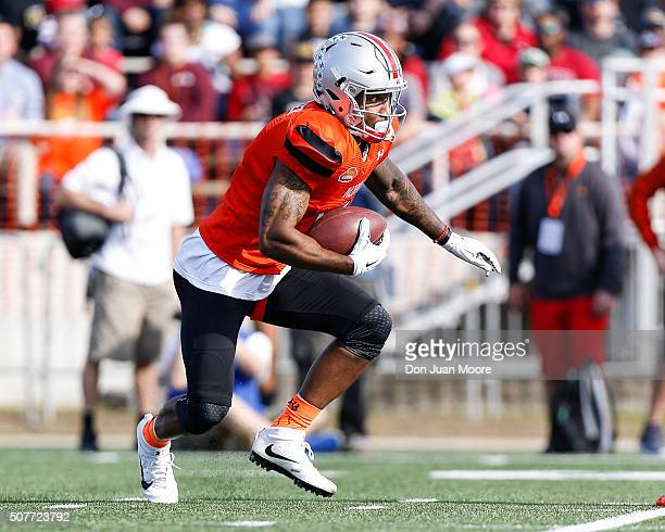 Ohio State Wide Receiver Braxton Miller of the North Team during a kickoff return during the 2016 Resse's Senior Bowl at LaddPeebles Stadium on...