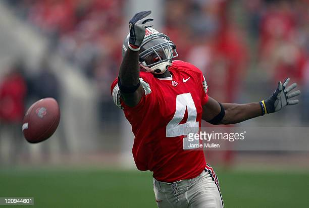 Ohio State wide receiver Santonio Holmes reaches for a pass that is just over his head during the game against the Indiana Hoosiers Saturday October...
