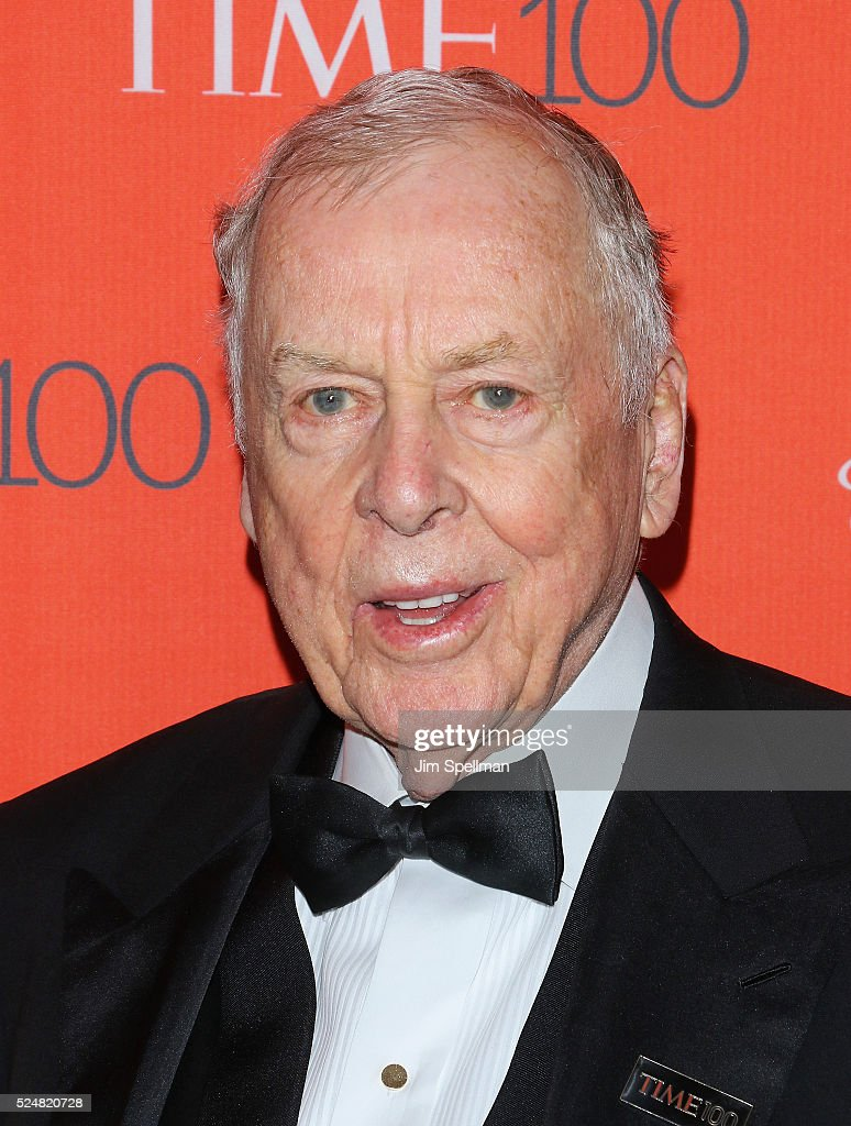 Oil billionaire T. Boone Pickens attends the 2016 Time 100 Gala at Frederick P. Rose Hall, Jazz at Lincoln Center on April 26, 2016 in New York City.