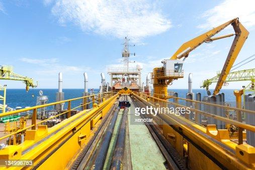 石油掘削機プラットフォームのパイプラインをデイープシー