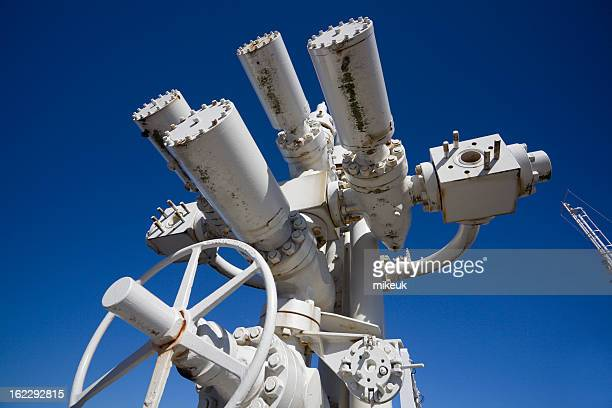 oil industry wellhead equipment pipes and valve