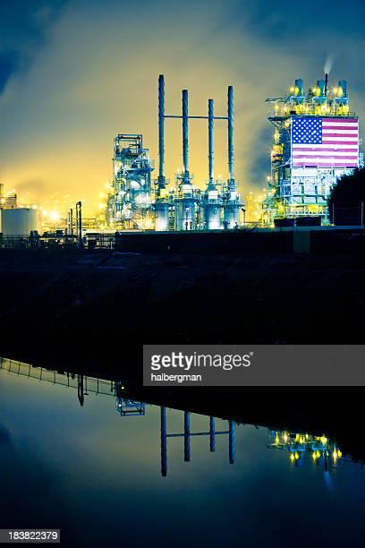 Refinería de petróleo y ha estancado río
