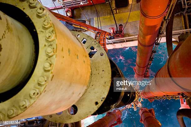 oil rig-Plattform riser pipe Blick auf das Meer
