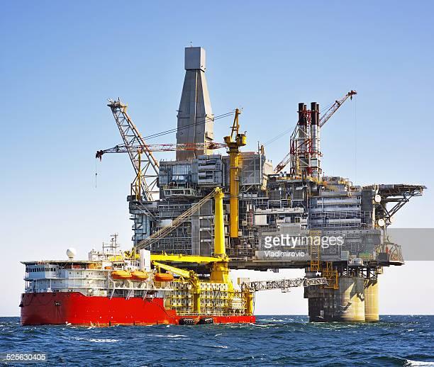石油掘削装置の海