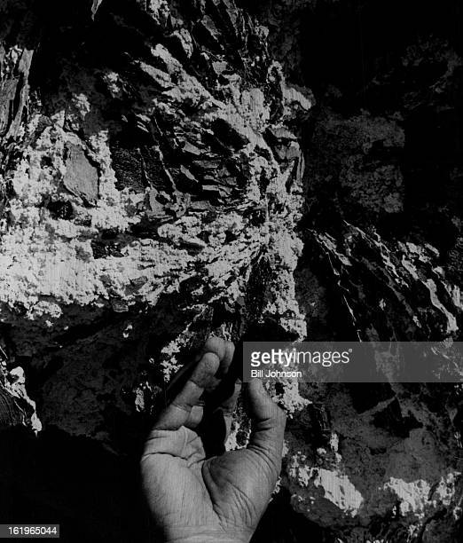 MAR 22 1977 JUL 1 1977 JUL 3 1977 Oil Shale Colorado Nahcolite May be added benefit of oilshale mining The white substance filling cracks in block of...