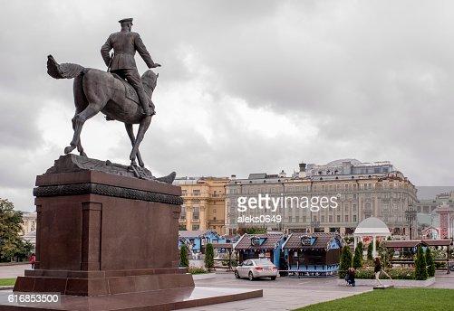 Okhotny Ryad Street. Tourists photographed monument Zhukov : Stock Photo