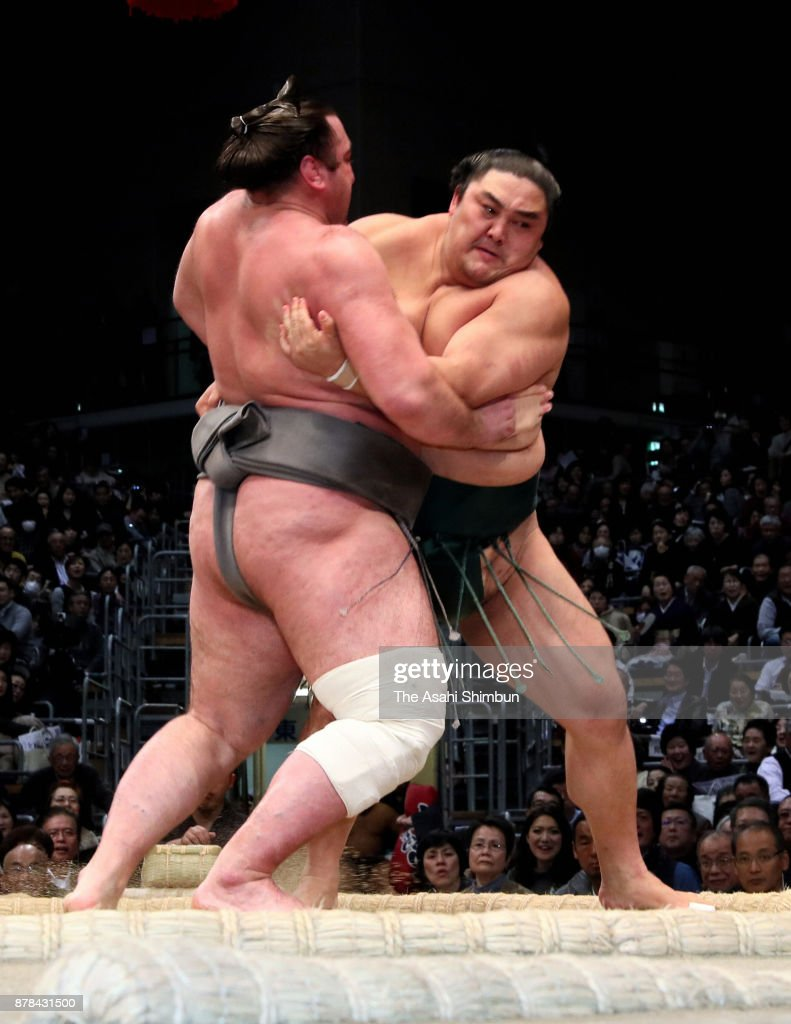 Grand Sumo Kyushu Tournament - Day 13