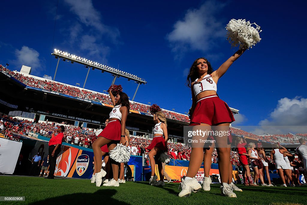Oklahoma Sooners cheerleaders perform prior to the 2015 Capital One ...