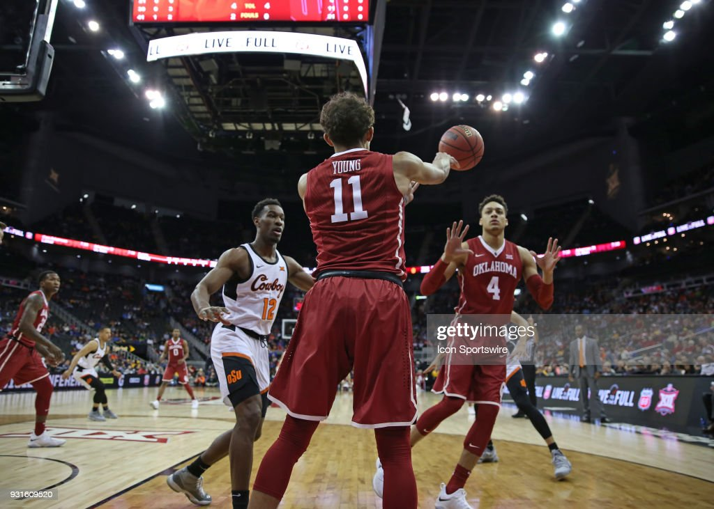 Oklahoma Sooners guard Trae Young (11) inbounds the ball in the first half of a first round matchup in the Big 12 Basketball Championship between the Oklahoma Sooners and Oklahoma State Cowboys on March 7, 2018 at Sprint Center in Kansas City, MO.