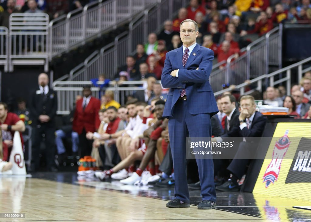 Oklahoma Sooners head coach Lon Kruger in the second half of a first round matchup in the Big 12 Basketball Championship between the Oklahoma Sooners and Oklahoma State Cowboys on March 7, 2018 at Sprint Center in Kansas City, MO. Oklahoma State won 71-60.