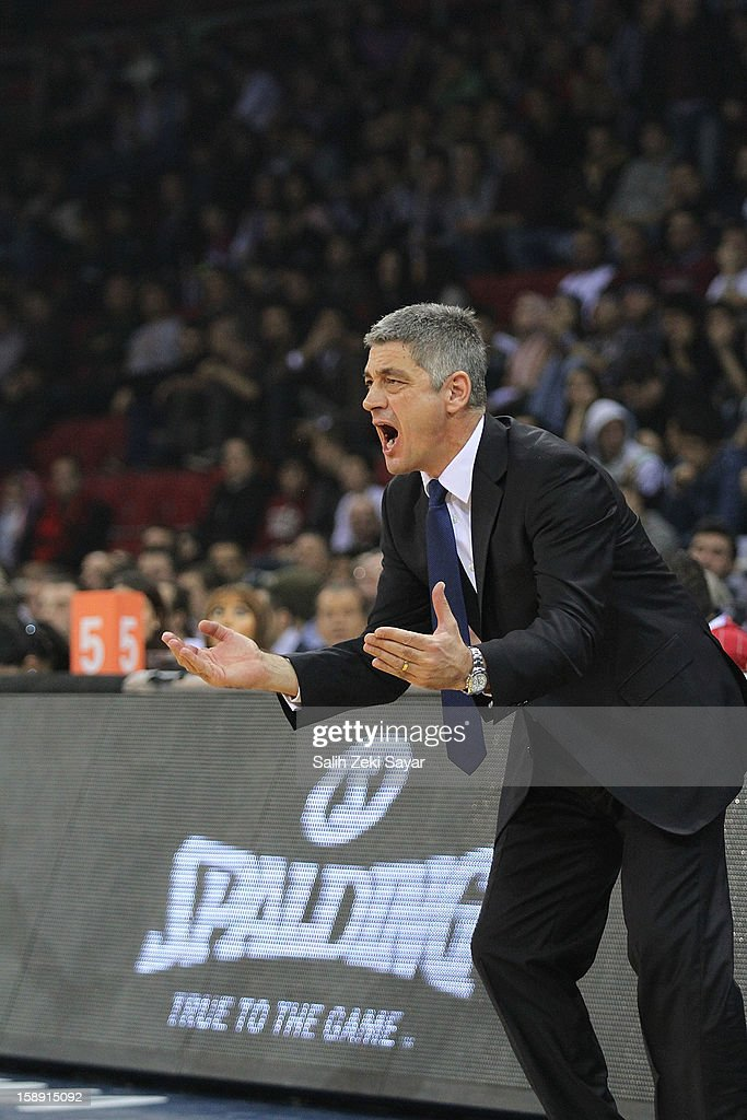 Oktay Mahmuti Head Coach of Anadolu Efes during the 2012-2013 Turkish Airlines Euroleague Top 16 Date 2 between Anadolu EFES Istanbul v Panathinaikos Athens at Abdi Ipekci Sports Arena on January 3, 2013 in Istanbul, Turkey.