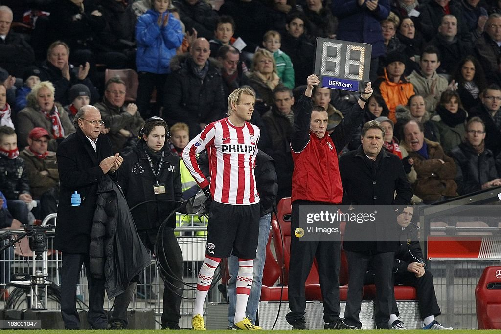 Ola Toivonen of PSV (C) during the Dutch Eredivisie match between PSV Eindhoven and VVV-Venlo at Philips Stadium on march 02, 2013 in Eindhoven, The Netherlands