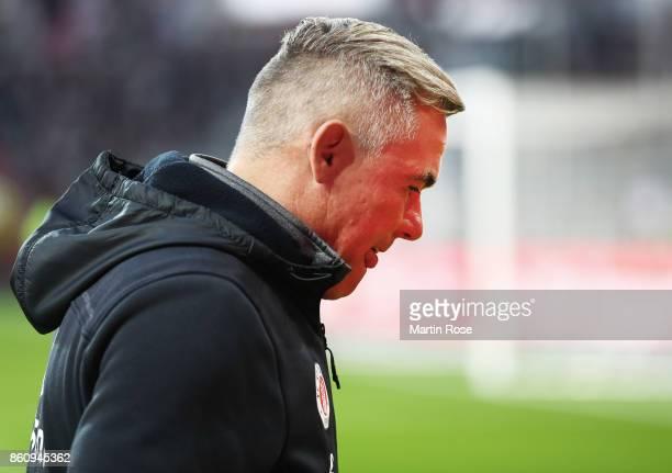 Olaf Janssen head coach of St Pauli before the Second Bundesliga match between FC St Pauli and 1 FC Kaiserslautern at Millerntor Stadium on October...