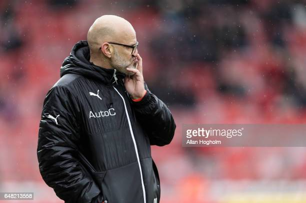 Olafur Kristjansson head coach of Randers FC during the Danish Alka Superliga match between Silkeborg IF and Randers FC at Mascot Park on March 5...
