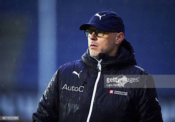 Olafur Kristjansson head coach of Randers FC looks on during the Danish Alka Superliga match between Randers FC and FC Nordsjalland at BioNutria Park...