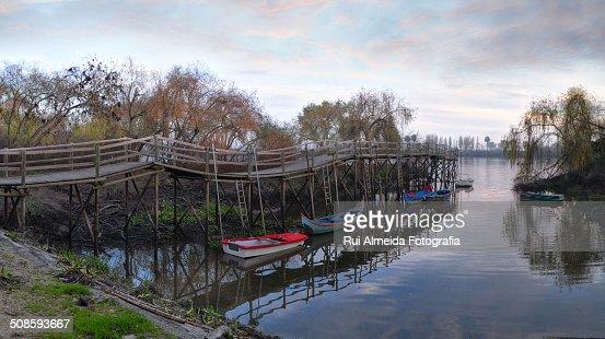 Old and broken ship's bridge : Foto de stock