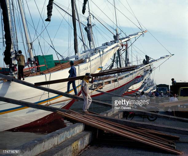 KELAPA JAKARTA JAVA INDONESIA Old Buginese Makassar schooners moored at the port of Sunda Kelapa This colourful old harbour is situated in the old...