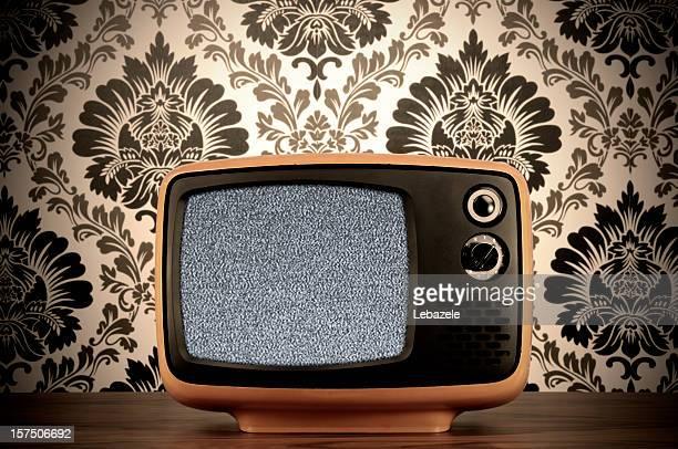 Vieux téléviseur noir et blanc (Tracé de détourage