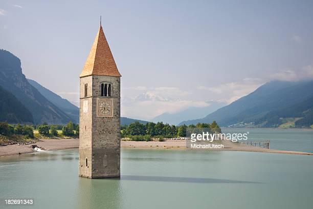 Torre della vecchia chiesa Graun nel Lago Di Resia