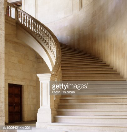 Old curving stone staircase : Foto de stock