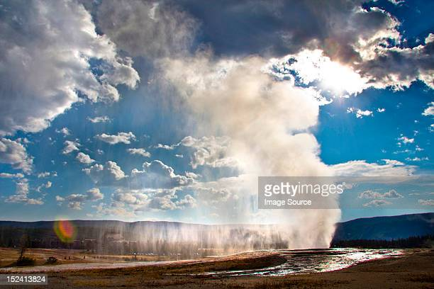 Old Faithful geyser erupting, Yellowstone National Park, Wyoming, USA