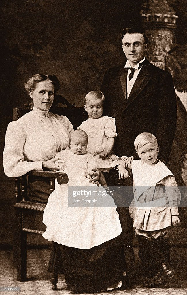 Old family portrait (early 20th century) : Stock Photo