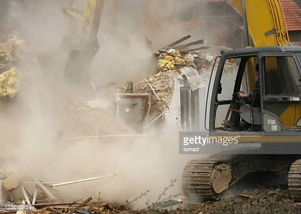 Travaux de démolition de l'ancien house
