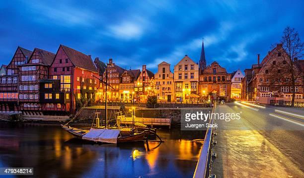Alte Lüneburger (Lüneburg)-Hafen bei Nacht