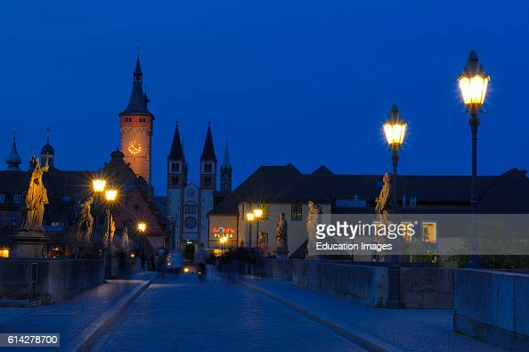 Old Main Bridge Town Hall and Cathedral W»rzburg UNESCO World Heritage Site Romantische Strasse Romantic Road Franconia Bavaria Germany Europe