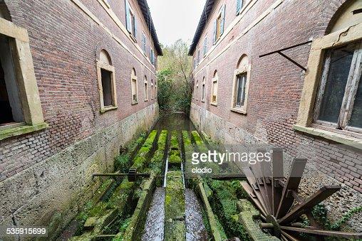Antiguo Molino en el parque de Monza : Foto de stock