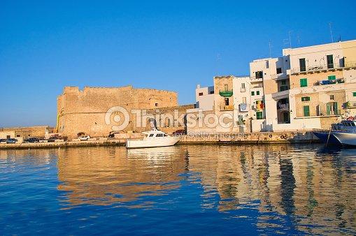 Vieux port de monopoli les pouilles litalie photo thinkstock - Port des pouilles ...