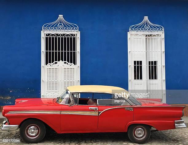 Vieja coche rojo