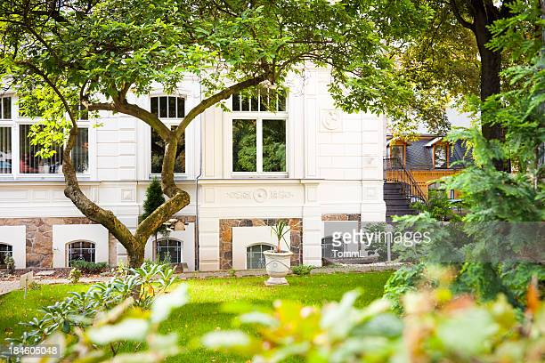Alte Residenz mit Garten
