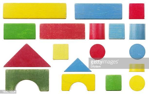 Old Wooden Toy Building Block Set, isoliert auf weiss