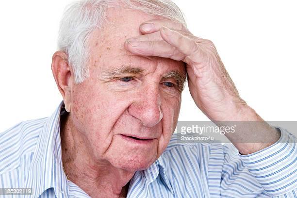 Idade homem com dores de cabeça ou depressão