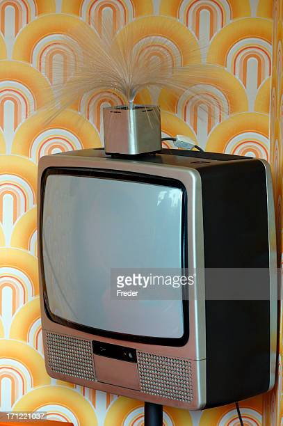 tv antiquado