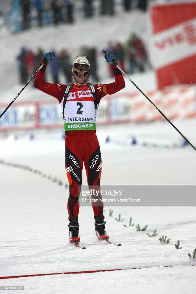 <a gi-track='captionPersonalityLinkClicked' href=/galleries/search?phrase=Ole+Einar+Bjoerndalen&family=editorial&specificpeople=206663 ng-click='$event.stopPropagation()'>Ole Einar Bjoerndalen</a> of Norway celebrates his 91th Biathlon Victory in the men's pursuit during the IBU Biathlon World Cup on December 5, 2010 in Ostersund, Sweden.