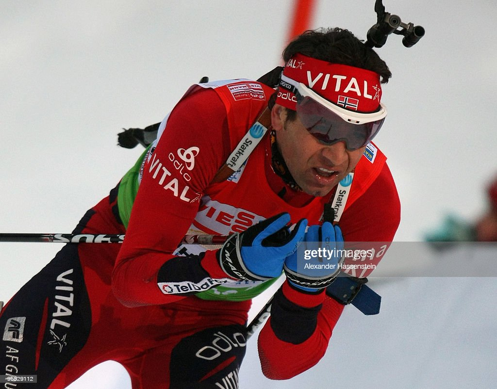 <a gi-track='captionPersonalityLinkClicked' href=/galleries/search?phrase=Ole+Einar+Bjoerndalen&family=editorial&specificpeople=206663 ng-click='$event.stopPropagation()'>Ole Einar Bjoerndalen</a> of Norway competes during the Men's 4 x 7,5km Relay in the e.on Ruhrgas IBU Biathlon World Cup on January 17, 2010 in Ruhpolding, Germany.