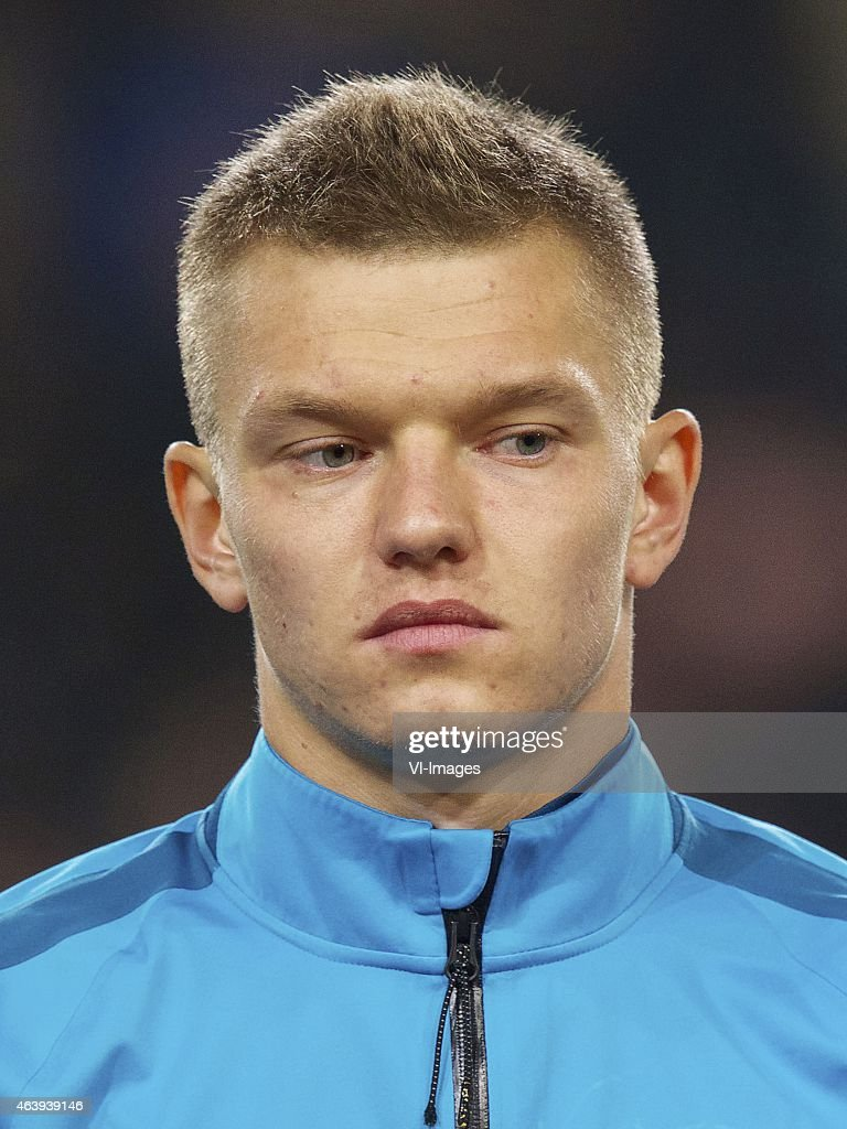 <a gi-track='captionPersonalityLinkClicked' href=/galleries/search?phrase=Oleg+Shatov&family=editorial&specificpeople=9633751 ng-click='$event.stopPropagation()'>Oleg Shatov</a> of FC Zenit during the round of 32 UEFA Europa League match between PSV Eindhoven and Zenit Saint Petersburg on February 19, 2015 at the Philips stadium in Eindhoven, The Netherlands.