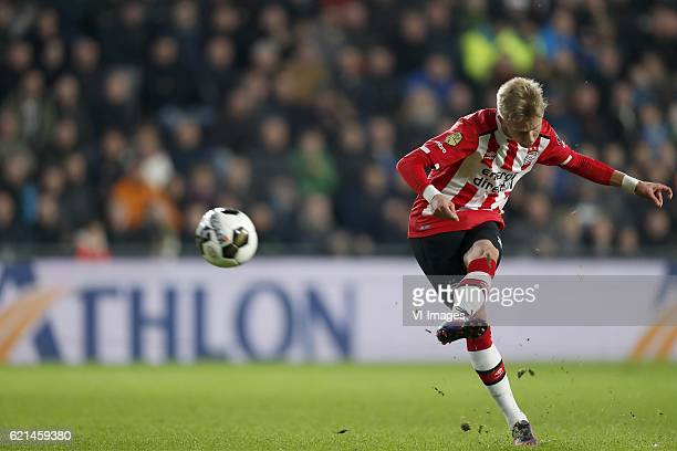 Oleksandr Zinchenko of PSVduring the Dutch Eredivisie match between PSV Eindhoven and FC Twente at the Phillips stadium on November 05 2016 in...