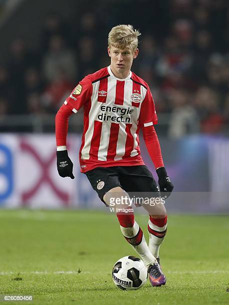 Oleksandr Zinchenko of PSVduring the Dutch Eredivisie match between PSV Eindhoven and ADO den Haag at the Phillips stadium on November 26 2016 in...