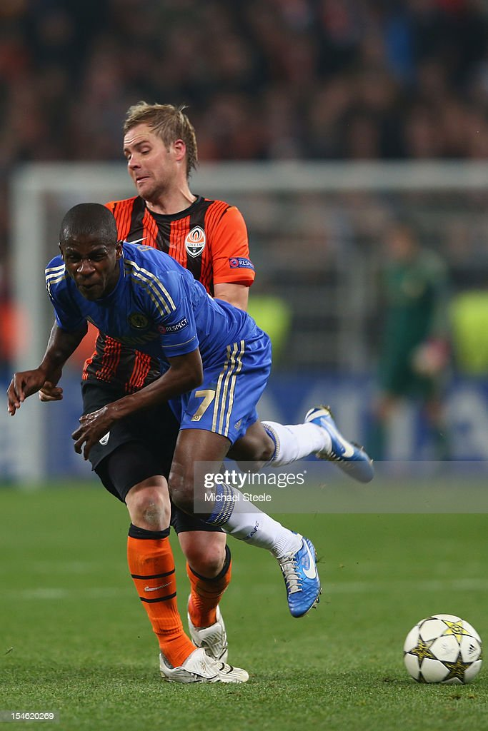 Olexandr Kucher (L) of Shakhtar Donetsk fouls Ramires (R) of Chelsea during the UEFA Champions League Group E match between Shakhtar Donetsk and Chelsea at the Donbass Arena on October 23, 2012 in Donetsk, Ukraine.