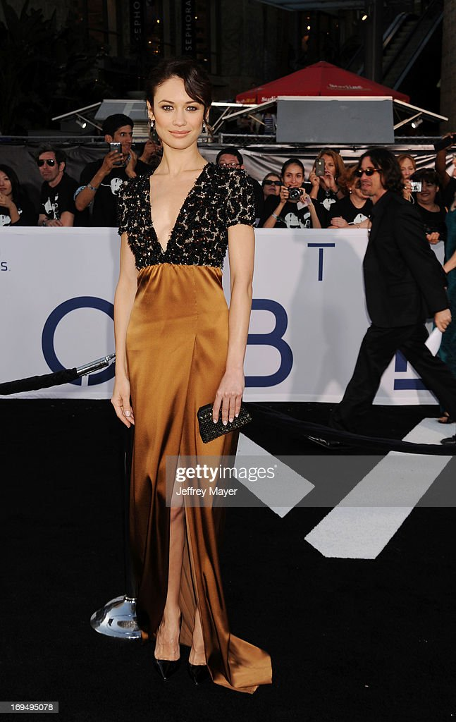 <a gi-track='captionPersonalityLinkClicked' href=/galleries/search?phrase=Olga+Kurylenko&family=editorial&specificpeople=630281 ng-click='$event.stopPropagation()'>Olga Kurylenko</a> arrives at the 'Oblivion' Los Angeles Premiere at Dolby Theatre on April 10, 2013 in Hollywood, California.