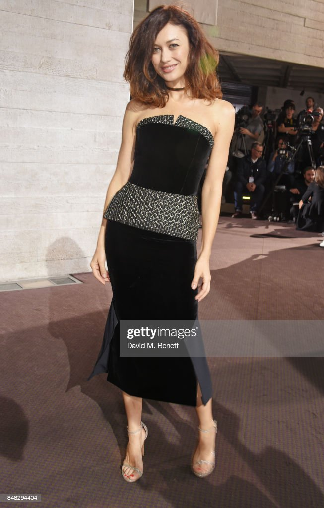 Olga Kurylenko attends the Roland Mouret SS18 catwalk show during London Fashion Week September 2017 at The National Theatre on September 17, 2017 in London, England.