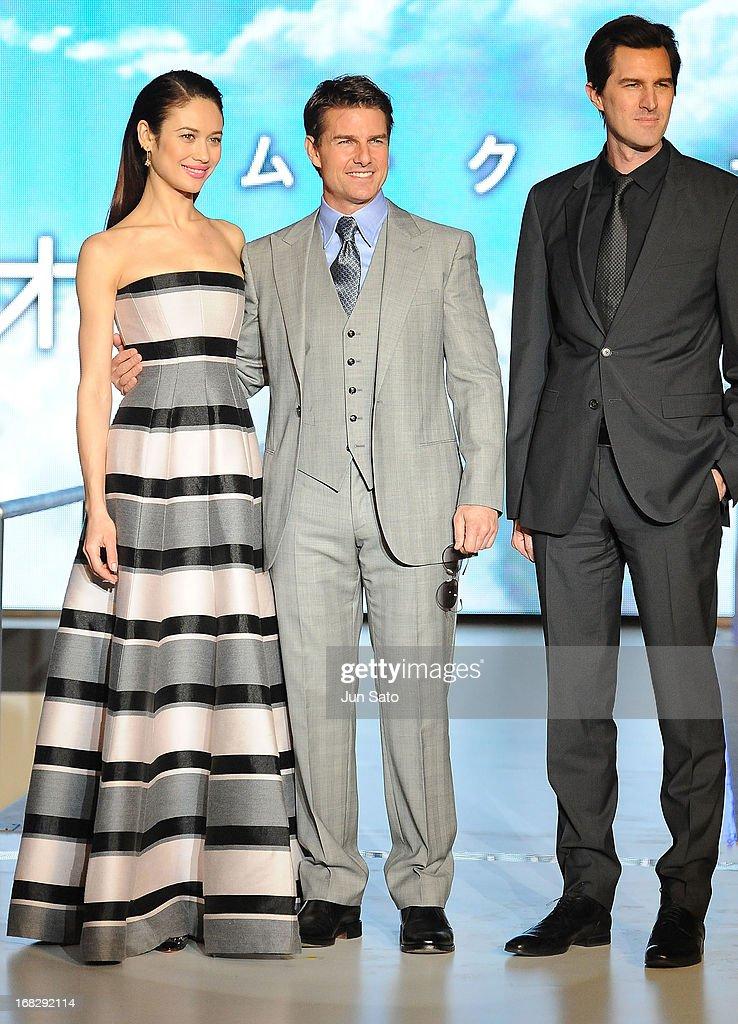 Olga Kurylenko, Tom Cruise and director Joseph Kosinski attend the 'Oblivion' Japan Premiere at Roppongi Hills on May 8, 2013 in Tokyo, Japan. The film will open on May 31 in Japan.