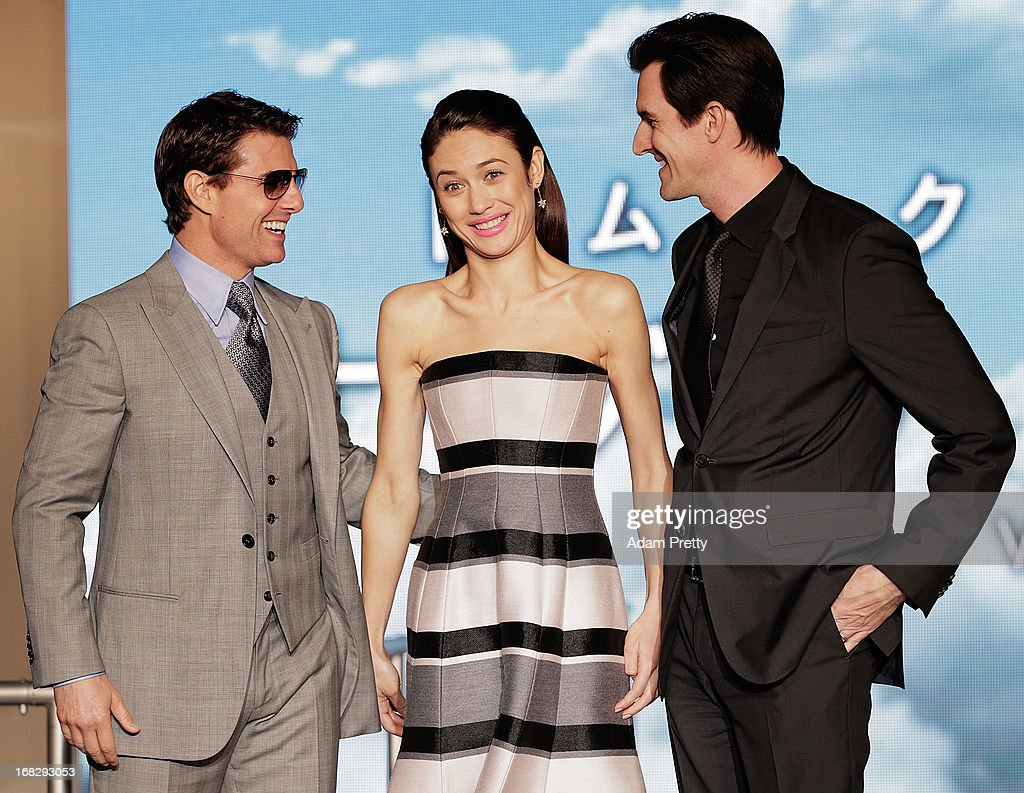 Olga Kurylenko, Tom Cruise and director Joseph Kozinski attend the 'Oblivion' Japan Premiere at Roppongi Hills on May 8, 2013 in Tokyo, Japan. The film will open on May 31 in Japan.